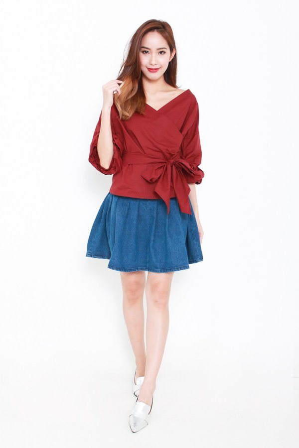 Fond of Folds Blouse Burgundy