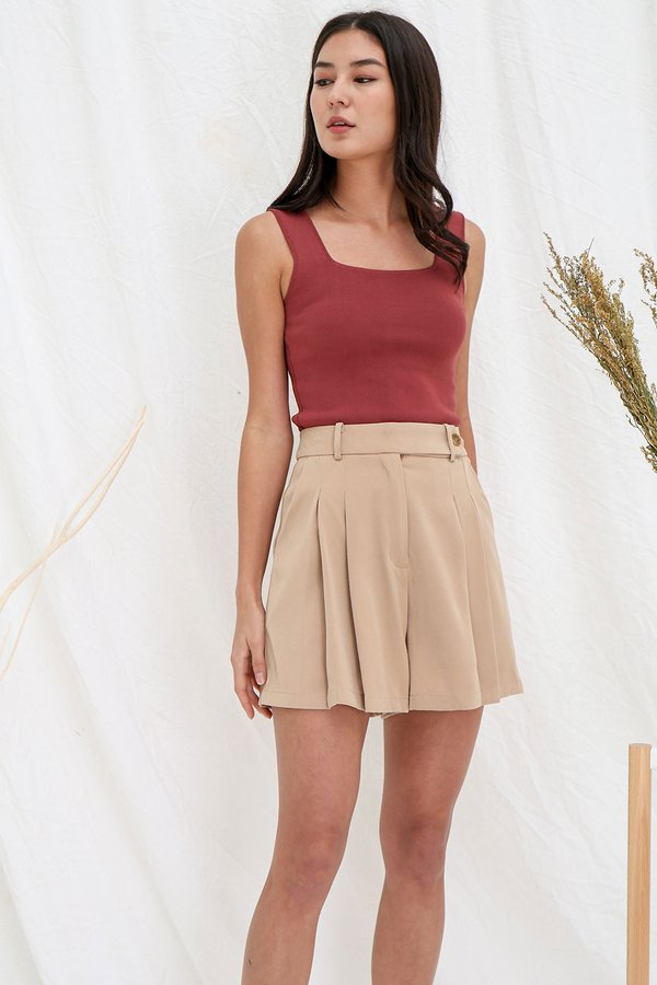 Seamlessly Angled Knit Top Oxblood