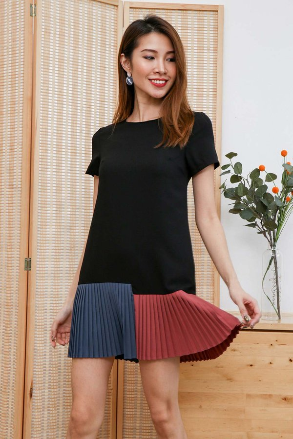 Tricolour Triumph Micro Pleats Dress Black