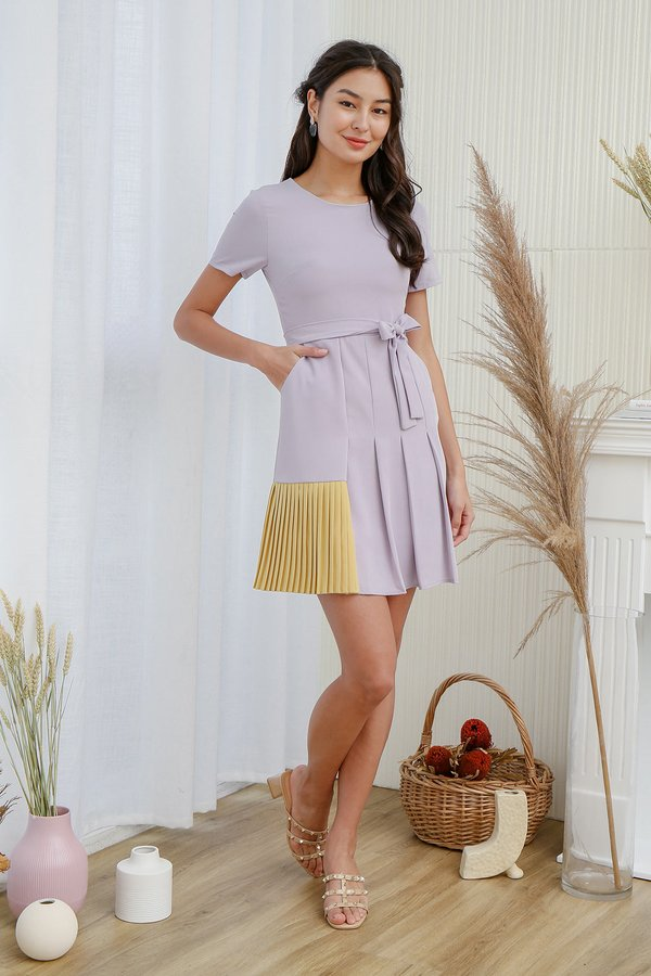 Boldly Proclaimed Colour Pleated Pocket Dress Lilac