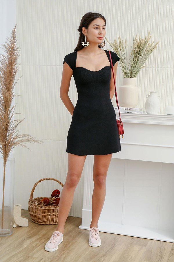 The A-Line Sweetheart Shaper Ribbed Knit Dress Black