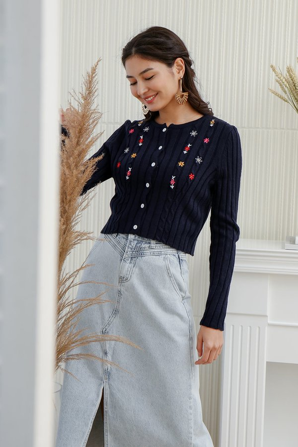 Barrel of Flowers Embroidery Cable Knit Cardigan