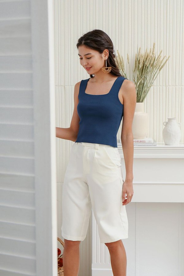 Seamlessly Angled Knit Top Yale Blue