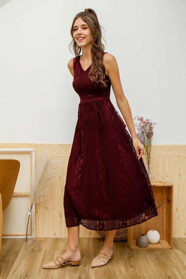 Lace Embodied Maxi Dress Burgundy Red