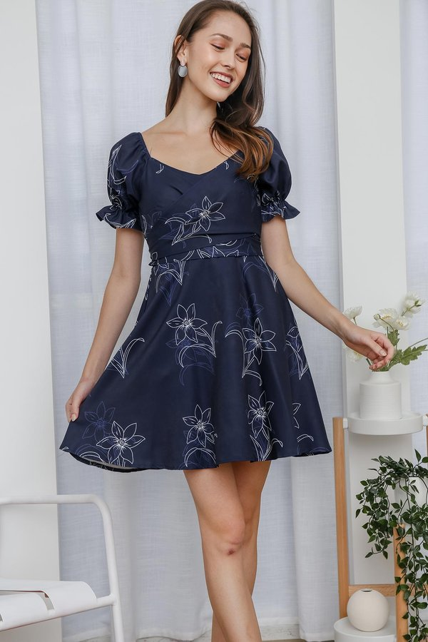 Picture Poetic Florals Twist Cross Front Pocket Dress Navy Blue