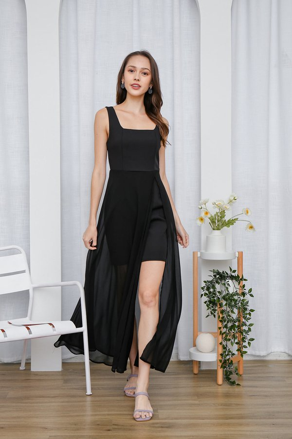 Graceful Glowing Statement Slit Maxi Dress Black