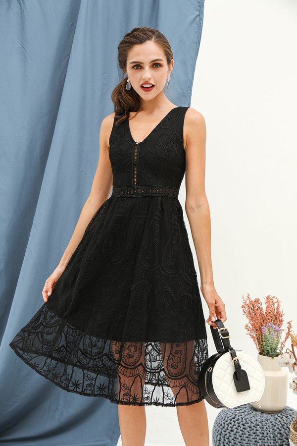 Luxe Labyrinth Lace Cocktail Dress Black