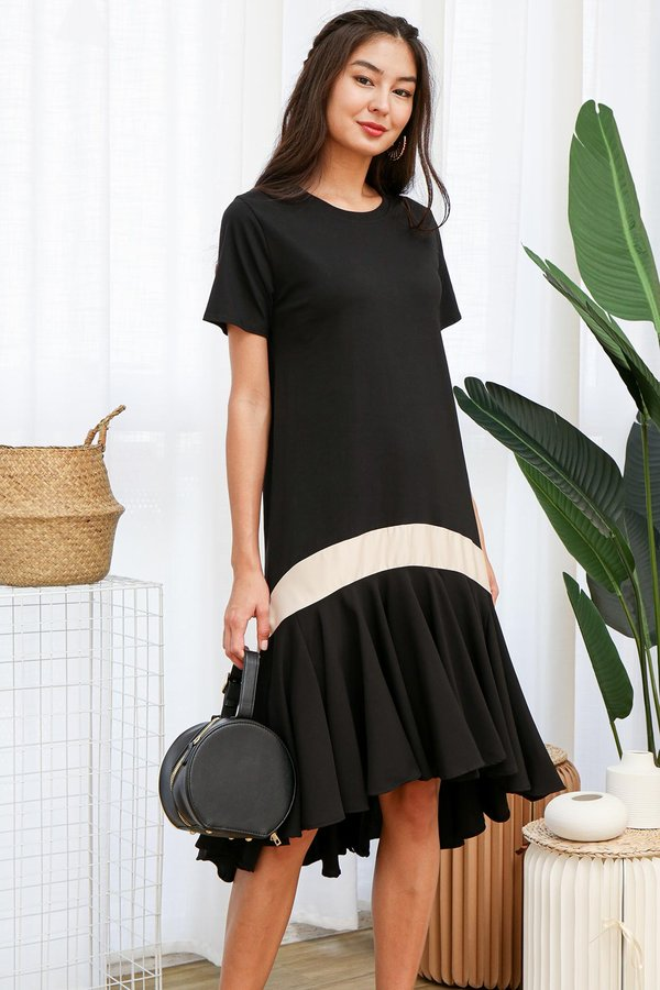 Zoom in Comfy Swirls Ruffle Midi Dress Black